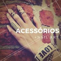 Aposte em acessórios que combinem com o seu esmalte. Que tal cair com tudo nessa tendência? #Unha #Nails #Ahazou