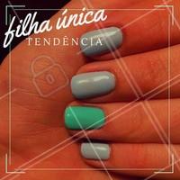Que tal deixar uma das unhas mais diferentona? O nome desse estilo é #FilhaUnica e as fashionistas adoram! #Unha #Nails #Ahazou