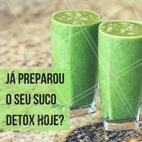 Você com certeza já deve ter escutado falar do suco detox, caso não, eu vou te explicar! O suco detox é uma bebida que apresenta a combinação de alimentos que têm a função de fazer a limpeza hepática, auxiliando no processo de eliminação de toxinas prejudiciais ao organismo. Entre os suas vantagens estão: aumento da disposição, melhora da memória, melhora do sistema digestivo, entre outros. Então, vai fazer o seu! #ahazou #nutrição #receita #sucodetox#saudeebemestar  #lifestyle #comportamento #instagood
