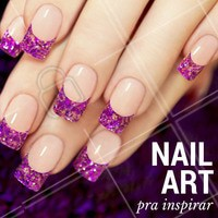 Comece o fim de semana com as unhas feitas e cheias de brilho! #Unhas #Inspiração #NailArt