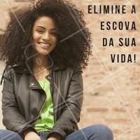 Evite usar escova para pentear os cachos, prefira pentes de cerdas largas! #cabelo #cachos #cacheadas #beleza #beauty #ahazou