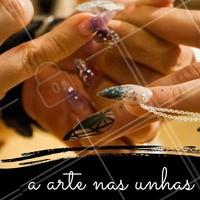 Saia do óbvio e aposte na Nail Art em suas unhas. Para quem procura por unhas mais descontraídas e decoradas, é opção ideal! #NailArt #Unha #UnhasDecoradas #Nails #AmoEsmalte #Esmalteria #Ahazou