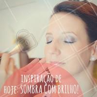 Sexta-feira pede glitter, sempre! #Maquiagem #Make #SextaFeira #Friday #AmoMaquiagem #Ahazou