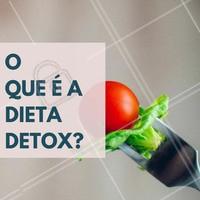 """Como o nome indica, """"detox"""" vem da palavra """"desintoxicação"""" e resumidamente a dieta baseia-se nisso mesmo, ou seja, através de uma combinação especifica de alimentos ela permite desintoxicar, expurgar e eliminar toxinas do nosso corpo, ajudando o organismo a voltar naturalmente para um estado saudável, e com isso, levar o excesso de peso pelo caminho. #Dieta #Detox #Saúde #Alimentação #Fitness"""