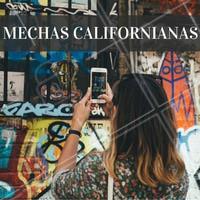 As mechas californianas normalmente são feitas com tons dourados apenas nas pontas do cabelo, parecidos com o aspecto de fios exposto ao sol. Essas mechas são as preferidas das loiras. #mechas #californiana #cabelo