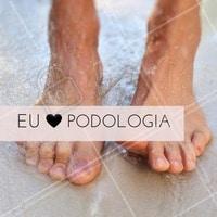 A melhor sensação do mundo é sempre estar de bem com os seus pés! Invista nos tratamentos de podologia e veja resultados incríveis. #Podologia #PéSaudável #Saúde #BelezaDosPés #Ahazou