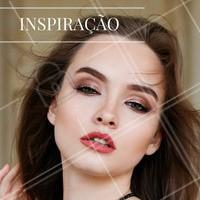 Quer apostar em um look novo? Invista em olhos bem marcados com sombra cintilante e arrase! #Makeup #Make #Maquiagem #Inspiração #InspiraçãoDeMake
