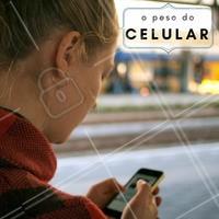 Você sabia que o celular faz com que a gente coloque pressão na coluna por causa do ângulo que olhamos para baixo? Isso ainda causa alguns malefícios para a nossa saúde, como: dor na parte alta do pescoço; dor na parte baixa do pescoço, ombros e parte baixa da coluna; dor na zona média da coluna e dificuldade para respirar; Cuidado para não exagerar no celular! #celular #hábitos #fisioterapia