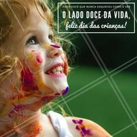 Neste dia 12 de outubro, abra os olhos e enxergue o mundo mais colorido, assim como na infância! Feliz Dia das Crianças! #diadascrianças #amo #ahazou #felicidade #crianças #colorido #infância