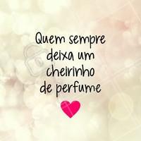 Sabe aquele mega abraço que deixa um cheirinho bem gostoso em você? Quem aqui não ama receber? #perfume #ahazou #fragrancia #beleza #bemestar #autoestima #abraço #consultora