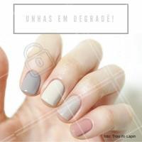 As unhas em dagradê em tons pastéis combinam com as mulheres românticas e que seguem a moda. #manicure #ahazou #moda
