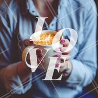 Quem não ama café e unha bem feita? <3 #unhas #ahazou #manicure