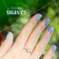As unhas em tons claros estão cada vez mais na moda. Já escolheu a sua cor da semana? #manicure #ahazou #coresclaras #esmaltedasemana