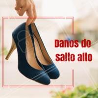 O sapato de salto alto é lindo e muito elegante, porém o seu uso excessivo pode causar muitos danos. 👇 • O salto aumenta a pressão nos dedos fazendo com que as articulações fiquem deficientes. • Pode causar deformidades como joanete. • Pode acontecer eventuais torções de tornozelo. • Pode encurtar a musculatura da perna. #podologia #pes #ahazou #ahazoupodologia #saltoalto #sapatos
