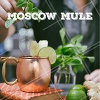 O clássico drink dos anos 50, Moscow Mule volta a ser o queridinho! Feito com vodka, gengibre e suco de limão e servido em uma caneca de cobre! Uma delícia, venha provar. #gastronomia #ahazou #drinks #bar #ahazoutaste #noite #moscowmule