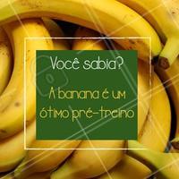 A banana é uma das frutas preferidas de quem pratica esportes porque além de prática é rica em carboidratos, o que vai dar mais energia para o seu treino. #treino #ahazoualimentaçao #fitness #saude #vidasaudavel #banana