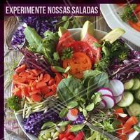 Quem disse que salada é sem graça nunca comeu nossas saladas deliciosas. Peça já a sua e experimente! #salada #ahazou #alimentaçao #comidasaudavel #saude #fitness