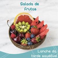 Que tal um lanchinho saudável e delicioso? Aposte na salada de frutas! #saladadefruta #ahazou #frutaria #frutas