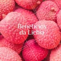 Entre as frutas típicas de fim de ano, está a lichia. A frutinha exótica conta com água, minerais, fibras, e açúcares. Na polpa, há fibras e minerais, além de compostos com função antioxidante e ação antimicrobiana. #frutas #lichia #ahazoapp #fimdeano
