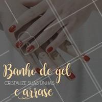 Ao receber o Banho de Gel, as unhas param de ficar quebradiças e não lascam, proporcionando grande brilho tanto em unhas compridas quanto nas mais curtas. Esse processo tem duração ilimitada, bastando para isso fazer uma manutenção regular, repondo o gel para renovar o brilho. #banhodegel #ahazou #manicure #unhas