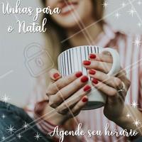 Natal é época de arrasar com unhas maravilhosas e temáticas! Corre pra agendar seu horário, a agenda de Dezembro está quase sem vagas! #manicure #ahazou #Unhas #natal