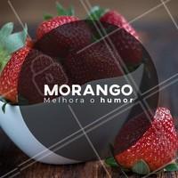 Não dá pra comer essa frutinha 🍓🍓 sem ficar toda sorridente! #morango #bomhumor #ahazou