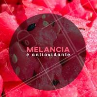 A melancia é rica em licopeno, substância antioxidante que reduz a pressão alta e previne doenças cardiovasculares. #ahazou #dicas #melancia #saúde