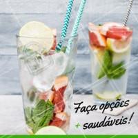 Faça opções mais saudáveis. Opte por água com gás + gelo + rodelas de frutas 😍 #saudavel #bebida #ahazou #agua #saude #dicas
