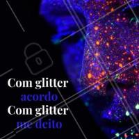 Quem mais ainda está cheio de glitter? 😂 #glitter #ahazou #poscarnaval