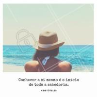 O autoconhecimento abre as portas para a sabedoria. #frase #ahazou #inspiraçao #autoconhecimento