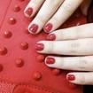 Esmalte vermelho é esmalte vermelho. Não falha nunca. :)