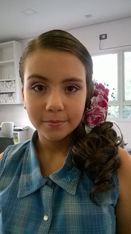 Cabelo e maquiagem maquiagem, penteado semi preso, infantil cabelo caixa auxiliar cabeleireiro(a) cabeleireiro(a) maquiador(a)