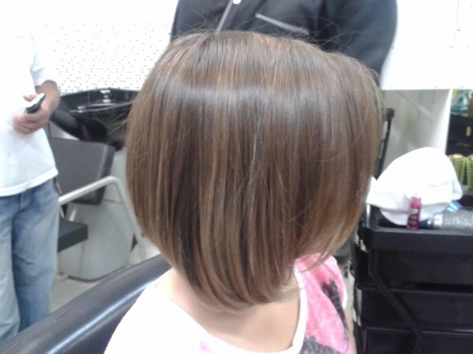 Chanel de bico com luzes cabelo curto, corte cabelo  cabeleireiro(a) depilador(a) designer de sobrancelhas maquiador(a) esteticista