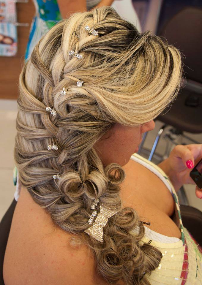 Penteados Noivas penteado preso, trança, noiva cabelo cabeleireiro(a) depilador(a) designer de sobrancelhas maquiador(a) esteticista