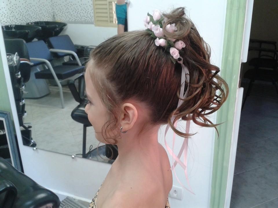 Penteado Infantil penteado preso, infantil cabelo cabeleireiro(a) depilador(a) designer de sobrancelhas maquiador(a) esteticista