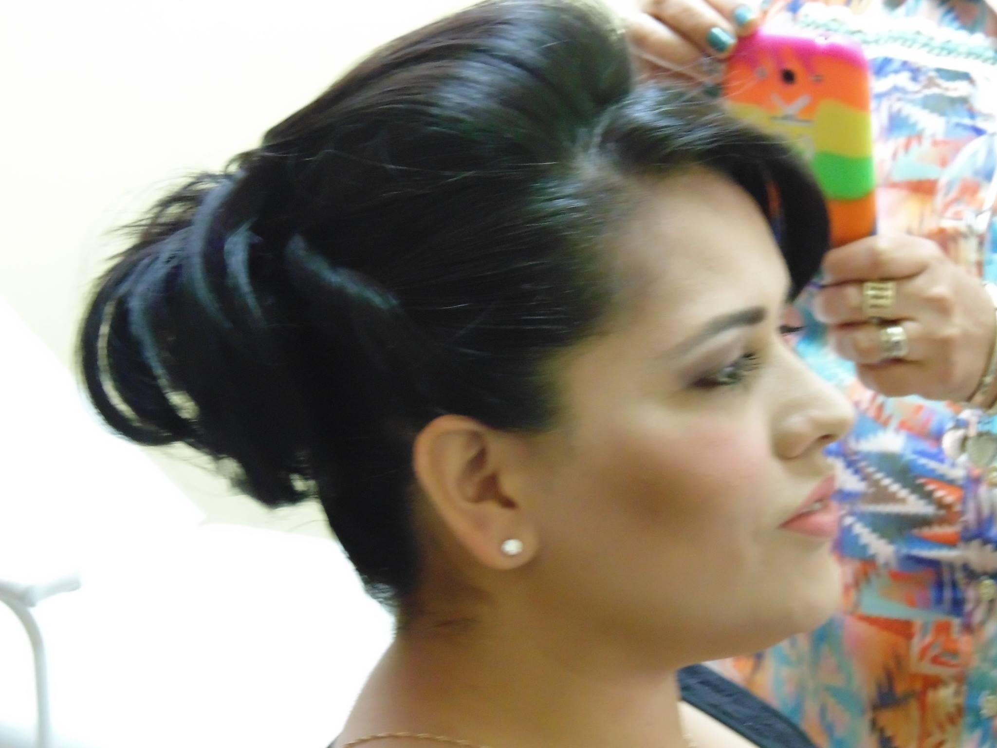 Penteado - Coque penteado preso cabeleireiro(a) depilador(a) designer de sobrancelhas maquiador(a) esteticista
