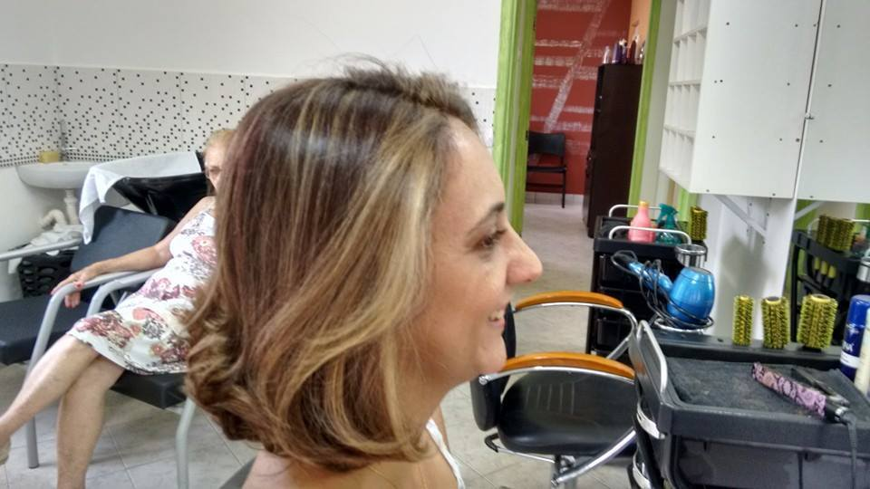Mechas - saindo do vermelho para o loiro loiro, luzes cabeleireiro(a) depilador(a) designer de sobrancelhas maquiador(a) esteticista