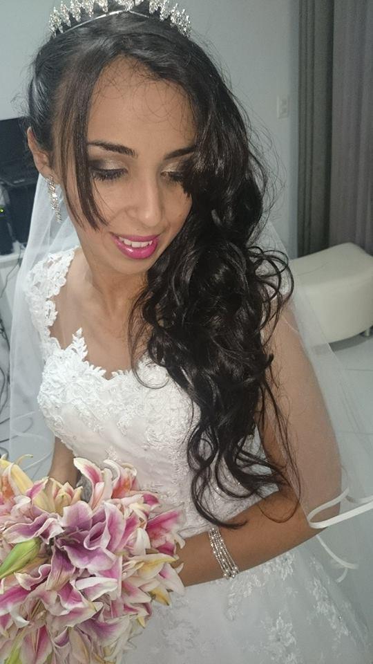 Noiva ao entardecer penteado noiva cabelo  cabeleireiro(a) maquiador(a) designer de sobrancelhas esteticista