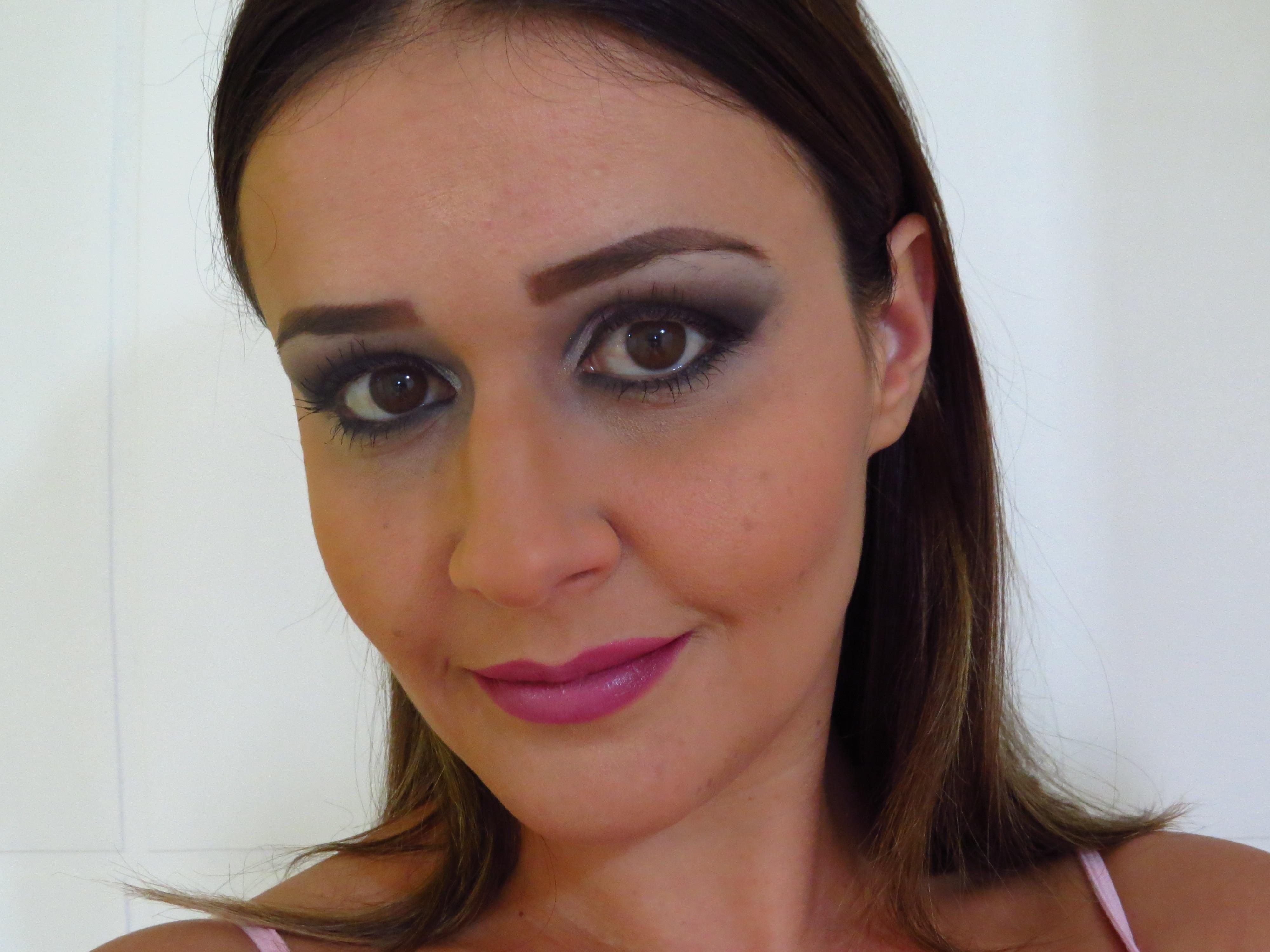 maquiagem social maquiador(a) designer de sobrancelhas