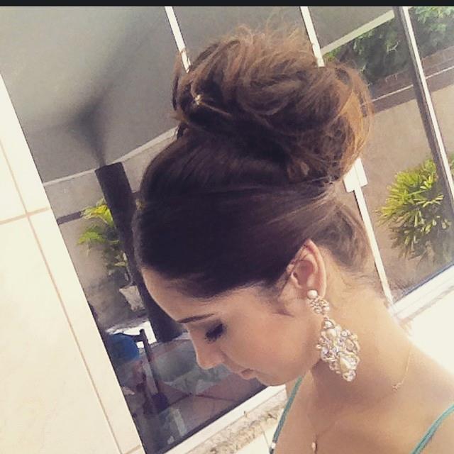 Coque estilizado  noiva, penteado preso cabelo maquiador(a) consultor(a) em imagem