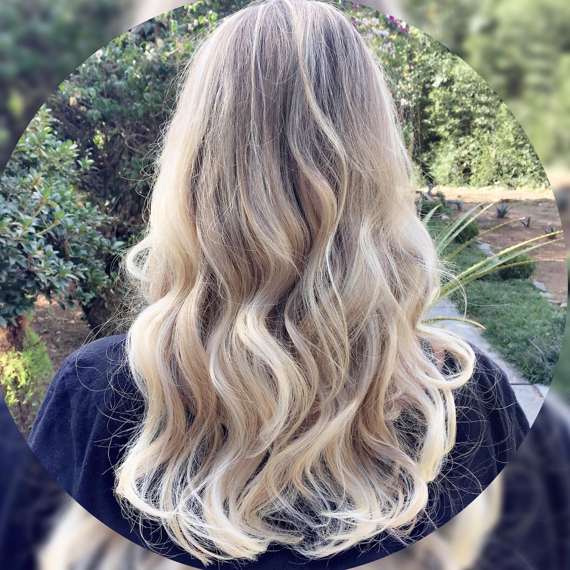 Loiro saudável  loiro,  cabelo  cabeleireiro(a)