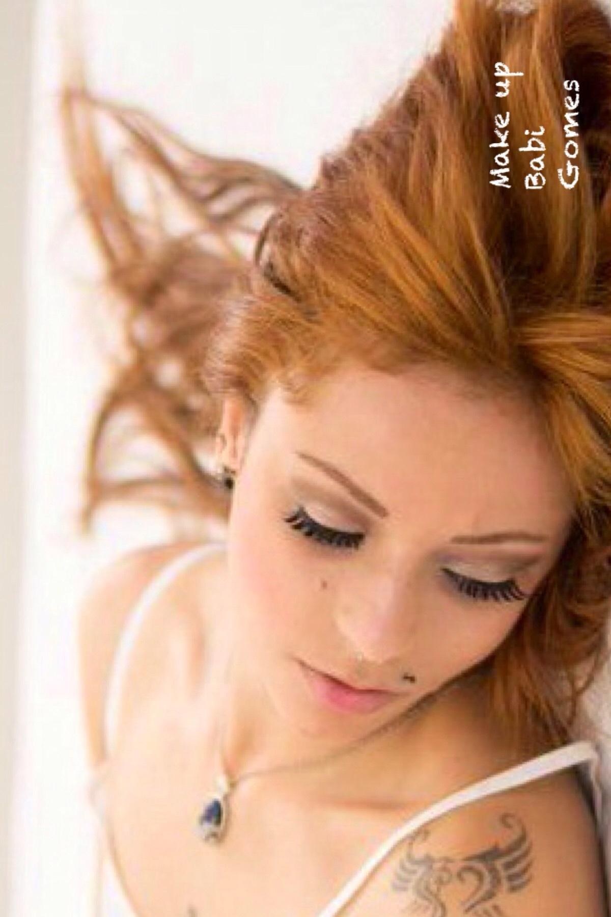 Maquiagem  dermopigmentador(a) designer de sobrancelhas maquiador(a) micropigmentador(a)
