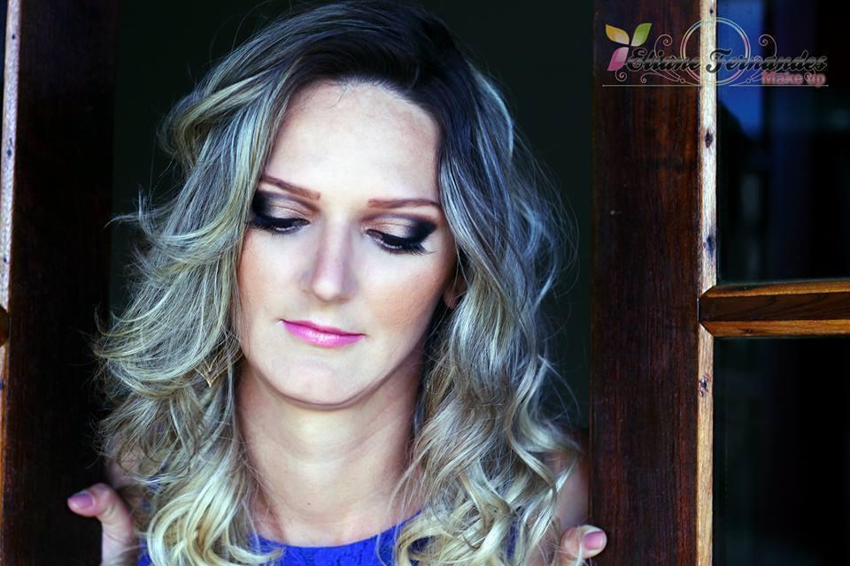 maquiagem, esfumado maquiador(a) designer de sobrancelhas