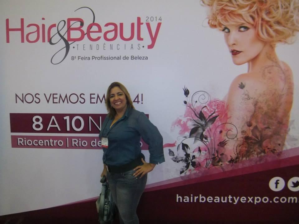 cabeleireiro(a) esteticista depilador(a) maquiador(a)