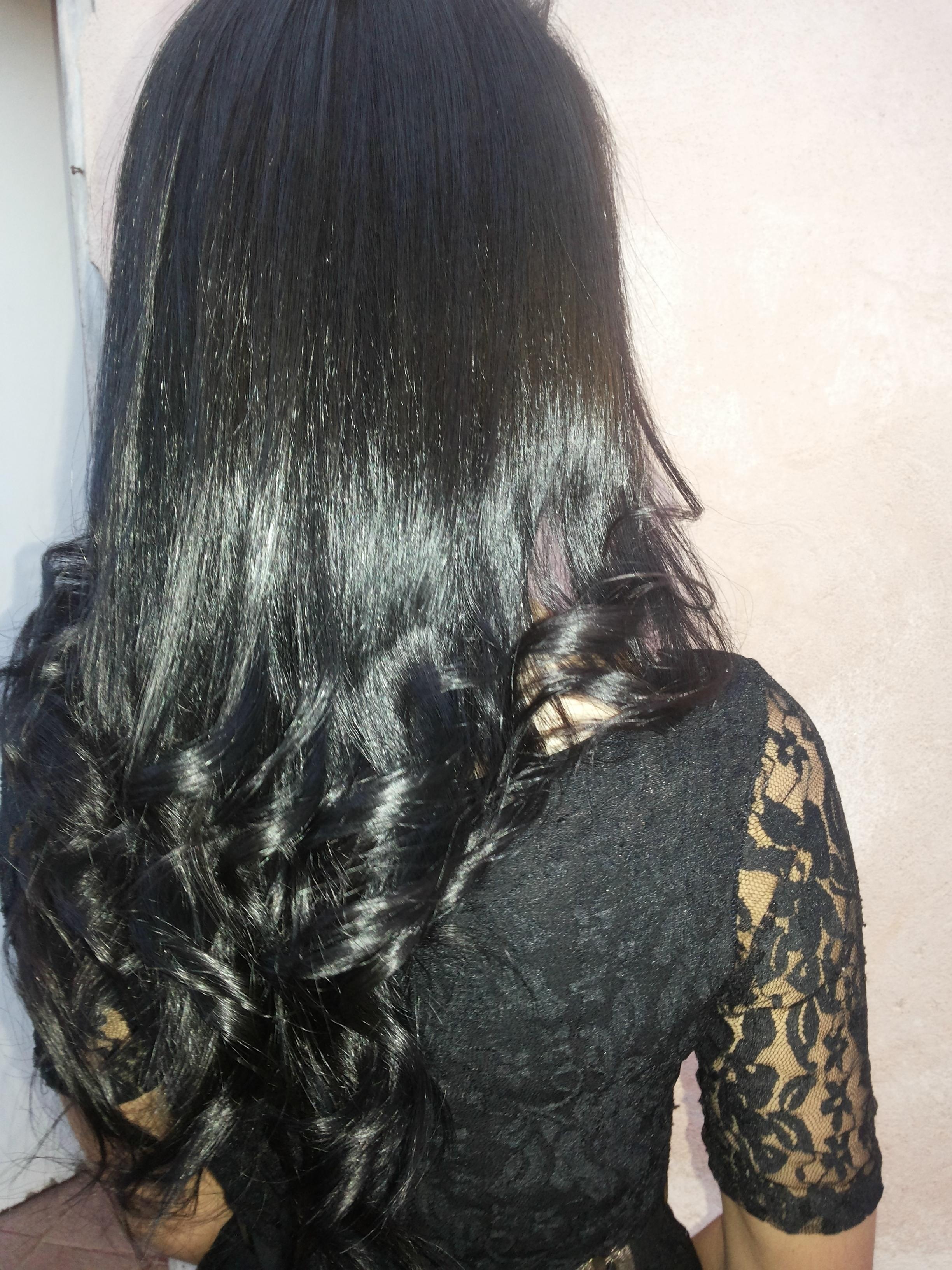 Esse cabelo foi feito coloração e hidratação,finalizado com escova e baby liz com prancha. vendedor(a) revendedor(a)