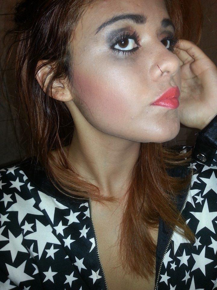 Marcela Valentim Estou disposta a adquirir novos conhecimentos e habilidades  auxiliar cabeleireiro(a) maquiador(a) designer de sobrancelhas