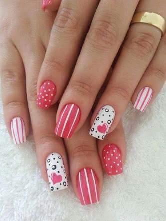 unhas perfeitas Rosinha com corações  unhas  manicure e pedicure