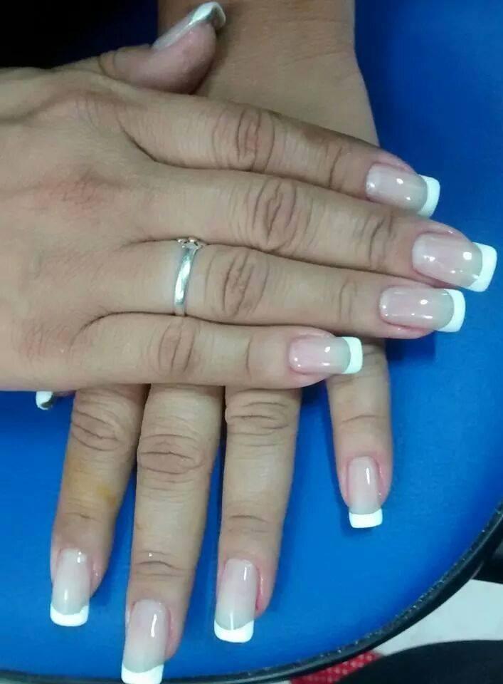 Unhas em Gel com francesinha permanente manicure e pedicure