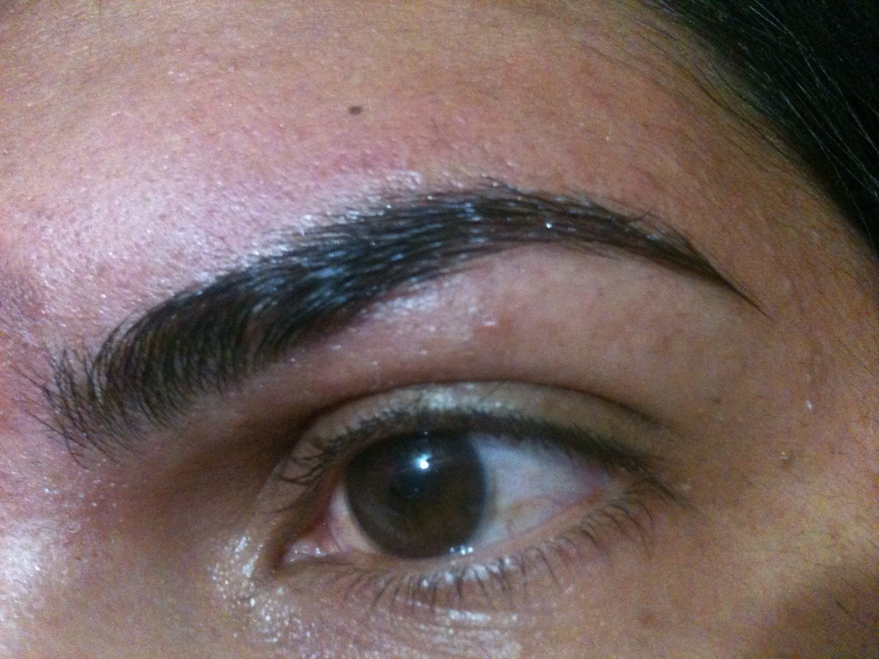Sobrancelha Feita com cera quente auxiliar cabeleireiro(a) depilador(a)