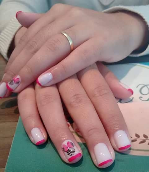 Francesinha rosa  unhas  manicure e pedicure auxiliar cabeleireiro(a) designer de sobrancelhas